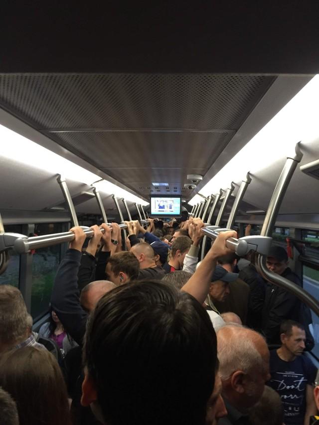 Tłok w autobusie linii 602