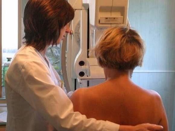 W sobotę w godz. od 9 do 14 w przychodni Miejskiego Zakładu Opieki Zdrowotnej odbędą się bezpłatne profilaktyczne badania z zakresu mammografii i USG piersi oraz badania densytometryczne (związane z ryzykiem zachorowania na osteoporozę), które w tym dniu będzie można wykonać w obniżonej cenie.