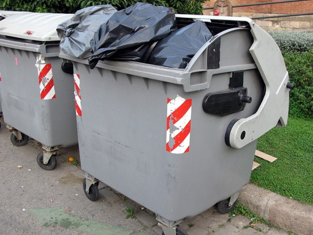 Najemcy lokali usługowych płacą więcej za wywóz śmieci