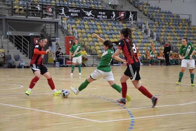 Unia Opole i Plon Błotnica Strzelecka wysoko wygrały swoje mecze.