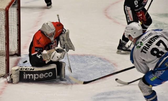 Ekstraklasa hokeja: Ciarko Sanok - Re-Plast Unia Oświęcim 4:2