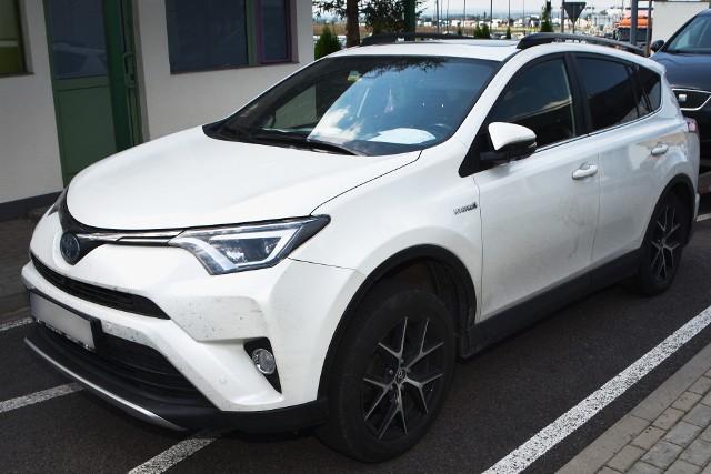 Toyota, którą Ukrainiec chciał wyjechać z Polski, została skradziona w Belgii.