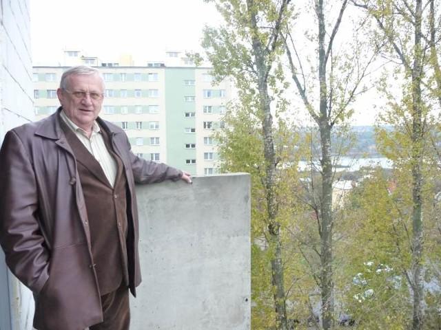 Z balkonu pokoju gościnnego już można podziwiać wspaniały widok panoramy Starachowic – prezentuje Ryszard Nosowicz, prezes Fundacji Agencji Rozwoju Regionalnego w Starachowicach.