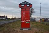 Nowe witacze w Sulechowie. Swoim kształtem nawiązują do herbu gminy. Zobacz, jak wyglądają