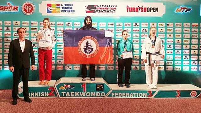 Aleksandra Kowalczuk na drugim stopniu podium podczas ME w tureckim Belek