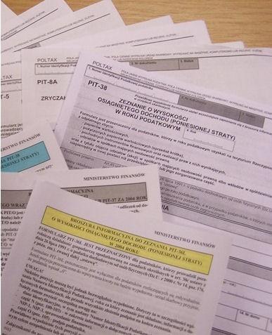 W Pierwszym Urzędzie Skarbowym w Białymstoku z każdym dniem przybywa osób, które składają swoje zeznania podatkowe