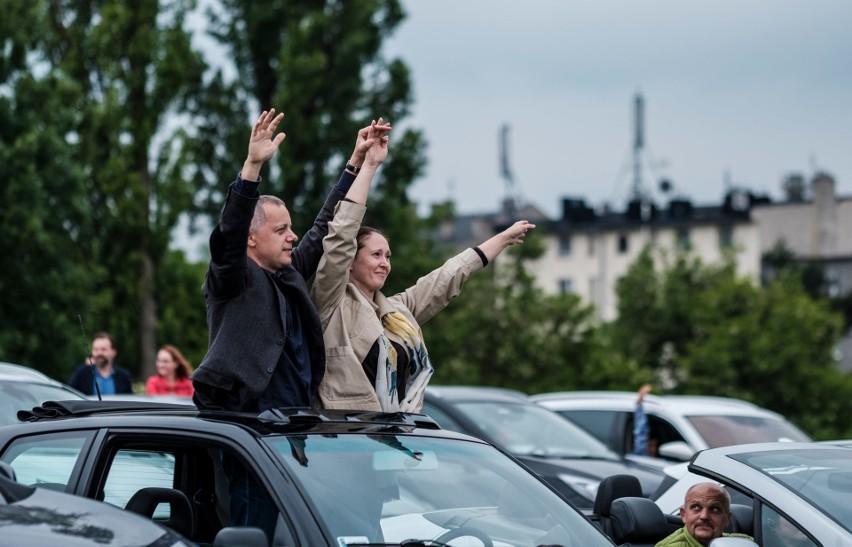 Koncert samochodowy w Chorzowie. Na scenie wystąpiły Frele. Zobacz kolejne zdjęcia/plansze. Przesuwaj zdjęcia w prawo - naciśnij strzałkę lub przycisk NASTĘPNE