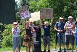 Blokada drogi w Dąbrowie Górniczej. Protest mieszkańców: Nie chcemy tirów