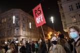 Transaperenty ze Strajku Kobiet trafią na wystawę w Poznaniu. Trwają poszukiwania