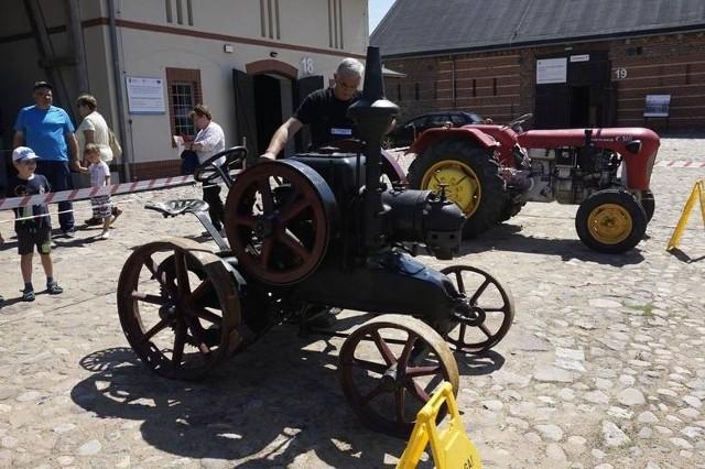 Zabytkowe maszyny rolnicze, które nadal działają  nieodmiennie  budzą emocje nie tylko najmłodszych. Na lato muzeum przygotowało dodatkowe atrakcje