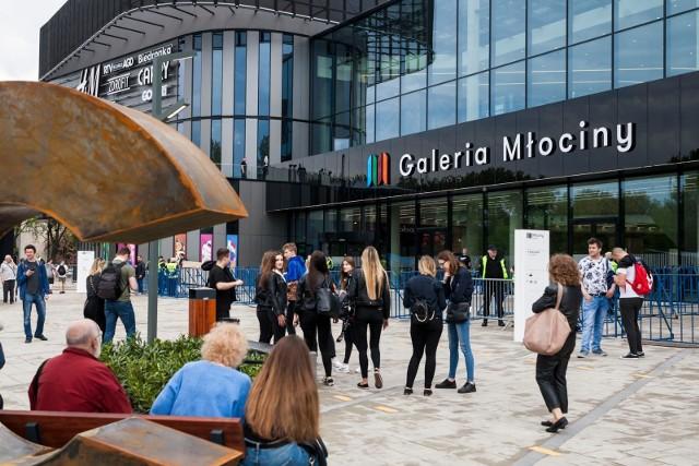 Największym projektem oddanym do użytku w 2019 r. była Galeria Młociny w Warszawie – aż 78,5 tys. mkw. Jednak to w miastach poniżej 100 tys. mieszkańców odnotowano największą aktywność deweloperską.
