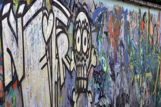 Twarze graffiti ulice BydgoszczyTwarze graffiti ulice Bydgoszczy