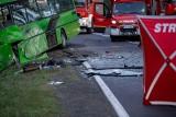 - Było hamowanie, skręt w bok i głośny huk. Wyjmowaliśmy kierowcę autobusu - opowiada świadek tragicznego wypadku pod Zieloną Górą