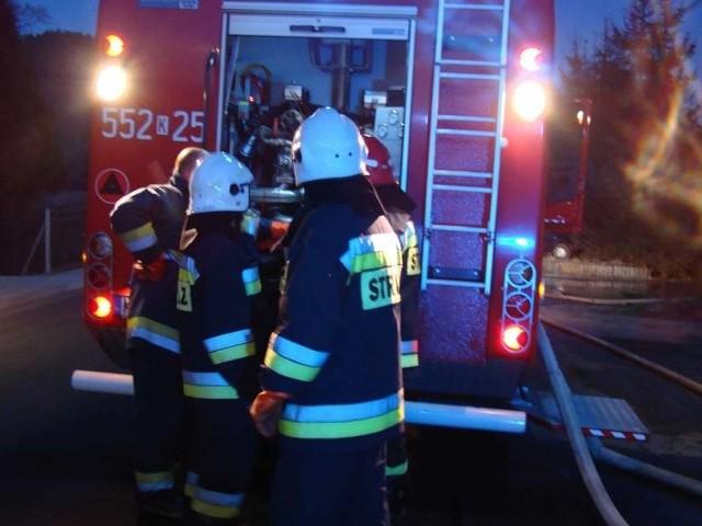 W mieszkaniu na ulicy Przy Kaszowniku wybuchł pożar. Szczęśliwie jednak obyło się bez ewakuacji mieszkańców sąsiadujących mieszkań