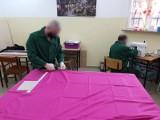 Więźniowie z woj. zachodniopomorskiiego szyją maseczki dla szpitali i domów pomocy