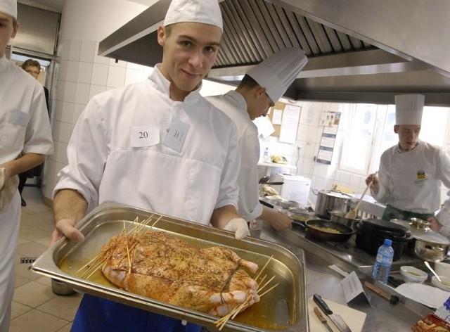 Konkurs w pracowni gastronomicznej Centrum Kształcenia Praktycznego.