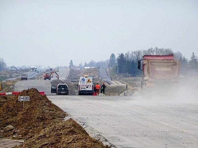 Od środy 28 kwietnia zmiany na odcinku budowanej S-5 od miejscowości Zbrachlin do miejscowości Niewieścin