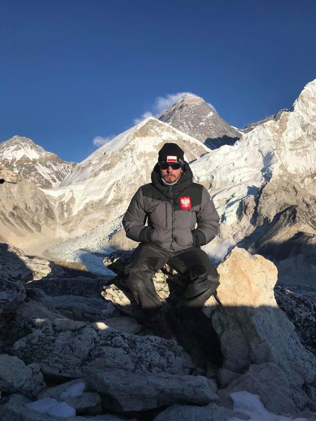 Skierniewiczanin  u podnóża najwyższej góry świata