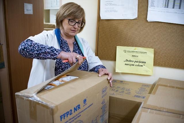 Darowiznę dostało m.in. Zagłębiowskie Centrum Onkologii Zobacz kolejne zdjęcia. Przesuń zdjęcia w prawo - wciśnij strzałkę lub przycisk NASTĘPNE