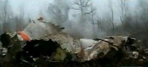Rosyjskie służby zabezpieczały teren, na którym rozbił się samolot z parą prezydencka na pokładzie