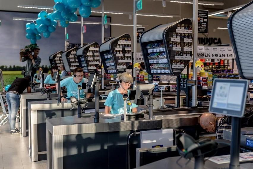 Lidl ma w Polsce ponad 600 sklepów. Niemiecka sieć zatrudnia...