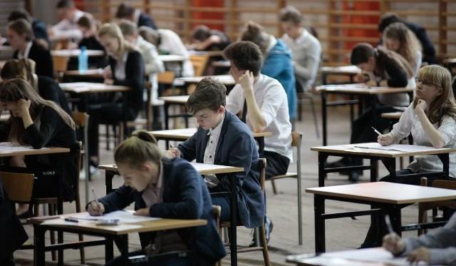 Do egzaminu gimnazjalnego przystąpiło na Opolszczyźnie 8061 uczniów. Zaświadczenia z wynikami dostaną 23 czerwca.