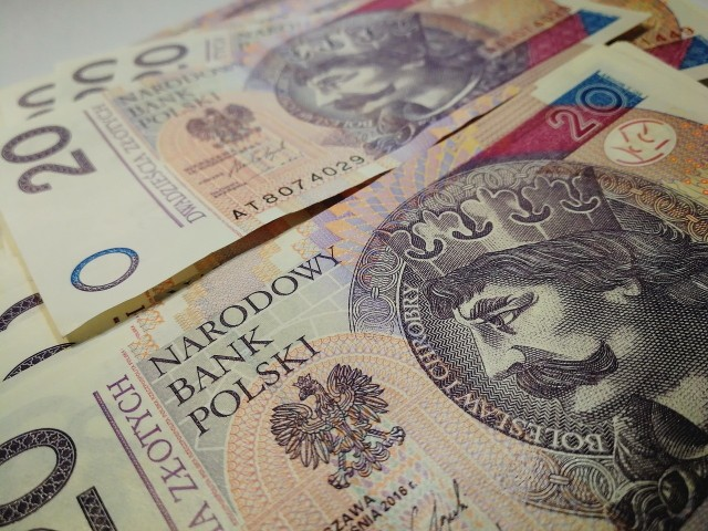 Pensja minimalna wzrośnie o ponad 300 zł w stosunku do ubiegłorocznej najniższej krajowej