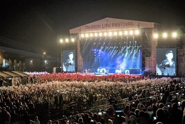 Koncerty na głównej scenie Life Festival Oświęcim na stadionie MOKSiR-u przyciągały co roku kilkadziesiąt tysięcy fanów z całego kraju i zagranicy
