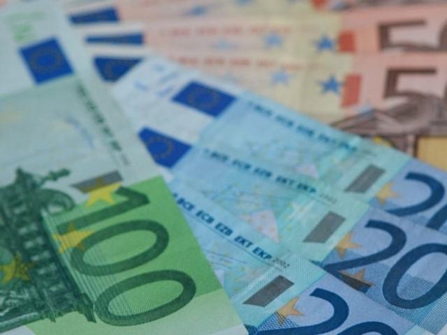 Burmistrz twierdzi, że założył konto w markach, które zostały następnie przewalutowane na euro.