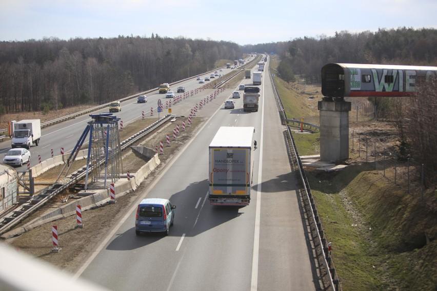Rozbiórka taśmociągu nad A4 w Katowicach, 7-8 marca