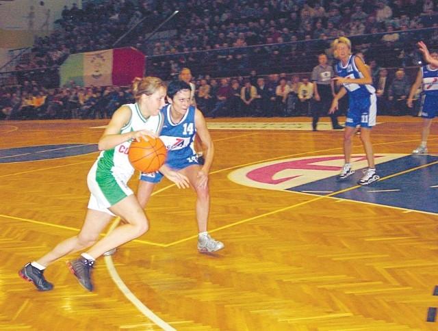 Rzuty za trzy punkty są mocną stroną brzeskich koszykarek.