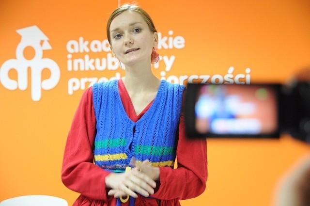 """Jedną z uczestniczek była Wioleta Zimochód, która od niedawna prowadzi w AIP agencję artystyczną """"Etno-Folk""""."""