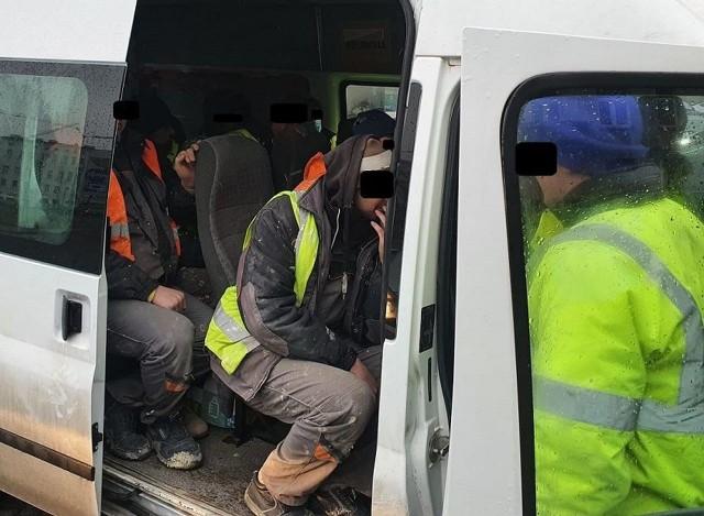 Busem podróżowało 12 osób a mogło tylko 9.