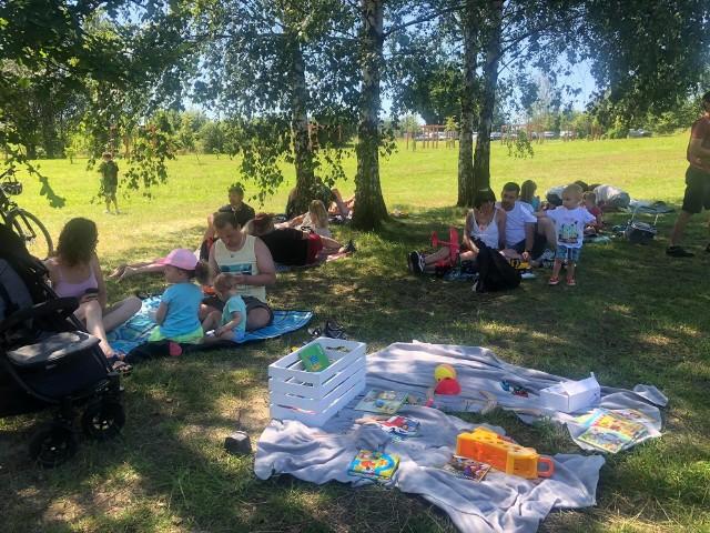W niedzielę, 5 lipca, odbyło się pierwsze w nowym sezonie Śniadanie na Polanie. Mieszkańcy spotkali się ponownie na Górce Słupeckiej w Mysłowicach. Zobacz kolejne zdjęcia. Przesuń zdjęcie - kliknij strzałkę lub przycisk NASTĘPNE.