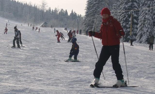 Mroźna pogoda to świetny czas na narciarskie szaleństwo.