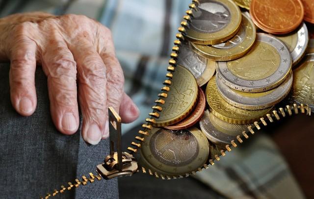 Emerytury 2019. Rocznik 1953 zyska. Ile wyniesie waloryzacja emerytur i rent w 2019 roku? Na czym polega waloryzacja kwotowa? Czy emeryci w tym roku mają się z czego cieszyć?