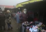 Siemiatycze. Kupcy mogą stracić miejsce do handlu. Starostwo nie zgadza się na przesunięcie stoisk na czas remontu targowiska (ZDJĘCIA)