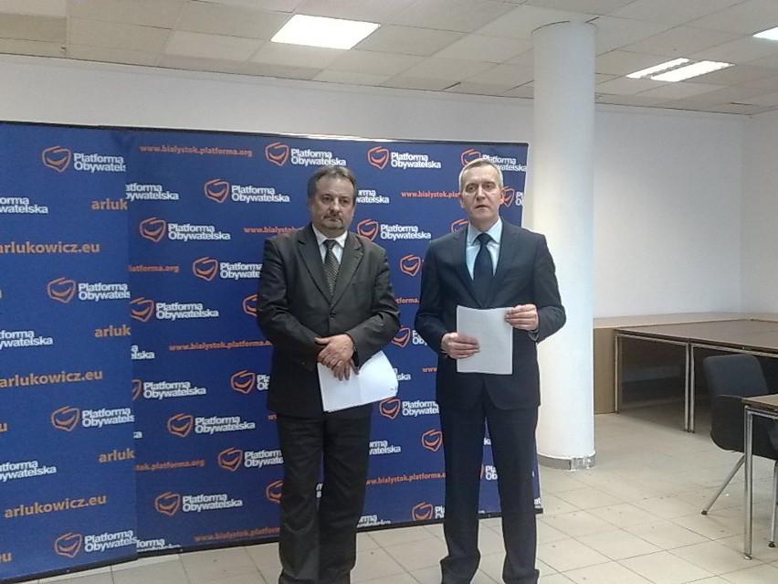 Projekt przedstawili posłowie PO: Leszek Cieślik (z lewej) oraz Robert Tyszkiewicz