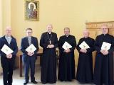 Zmiany księży w Sosnowcu i diecezji sosnowieckiej. Nowi księża administratorzy i wikariusze w parafiach