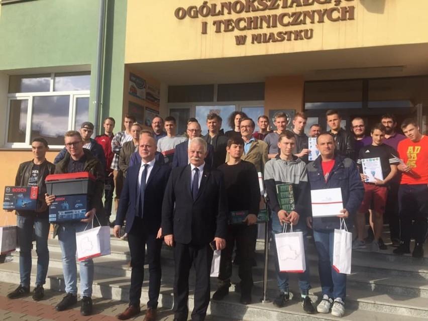 Technik OZE wszystko może - ogólnopolski konkurs w ZSOiT w Miastku (zdjęcia)