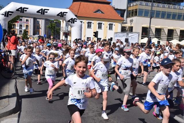 W ramach PKO Białystok Półmaratonu, największej imprezy biegowej wschodniej Polski, odbyły się biegi dla dzieci na dystansach 100m, 600m oraz 1 km – Junior City Run! W zawodach wzięło udział kilkaset młodych ludzi. Start miał miejsce na Rynku Kościuszki.