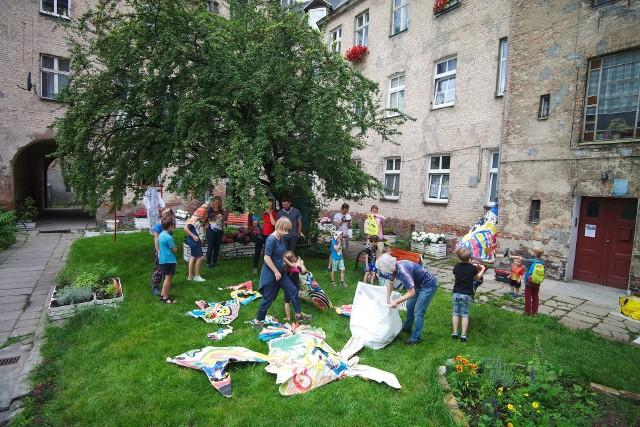 Sąsiedzkie podwórka - jedna z bardziej znanych lokalnych inicjatyw na poznańskim Starym Mieście