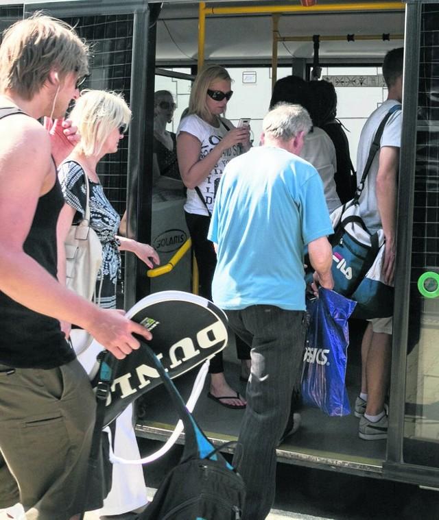 Nowy autobus numer 27 będzie miał cztery przystanki na terenie KSSE