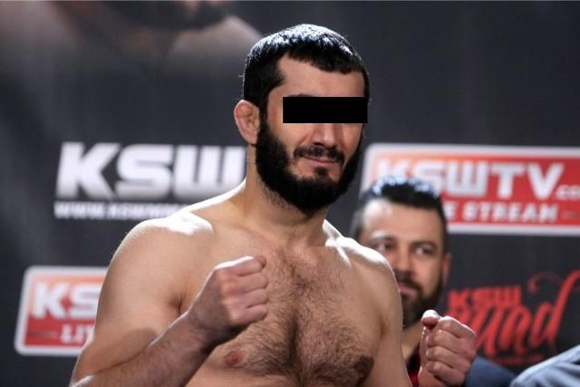 Mamed Ch., były zawodnik MMA został zatrzymany przez Biuro Operacji Antyterrorystycznych. Co było powodem zatrzymania popularnego sportowca? Jak się okazuje Mameda zatrzymano za paserstwo luksusowych aut.Czytaj na kolejnych slajdach