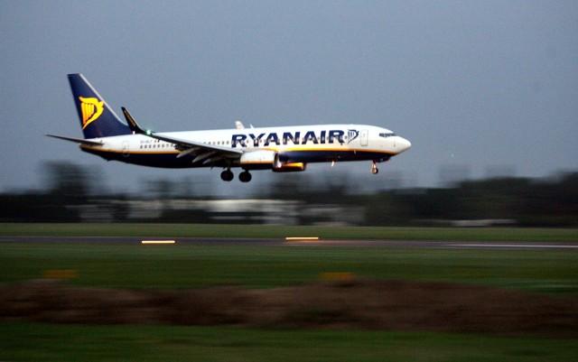 Ryanair na zimę zawiesza trzy połączenia z Łodzi