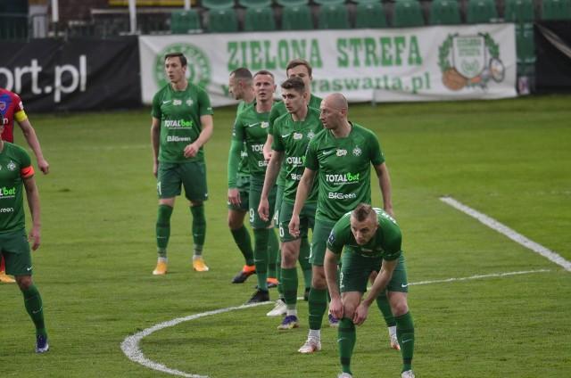 Warta Poznań jest drugim klubem w ekstraklasie w XXI wieku, który zmarnował dwa karne w jednym meczu. Zdjęcia ze spotkania z Rakowem --->