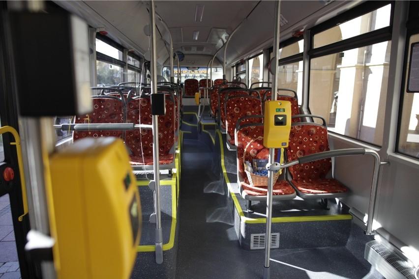 Zasłużeni Honorowi Dawcy Krwi będą mogli jeździć bezpłatnie autobusami komunikacji miejskiej w Opolu, o ile na takie rozwiązanie zgodzą się radni.