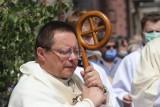 Biskup Ryś prosi Watykan o przyspieszenie sprawy biskupa Janiaka. Ale sam miał kłopot z reakcją na pedofilię w polskim Kościele