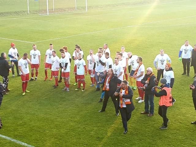 Stella Luboń będąca ligę niżej pokonała w finale Totolotek Pucharu Polski strefy poznańskiej Huragan Pobiedziska 3:1 i na wiosnę zagra na szczeblu wojewódzkim.