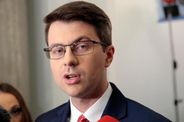 Terlecki mówił o rozstaniu z UE? Muller: Nie będzie żadnego wychodzenia Polski z Unii